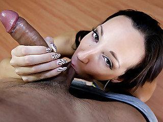 Big booty cutie Jada Stevens receives a warm sticky cum